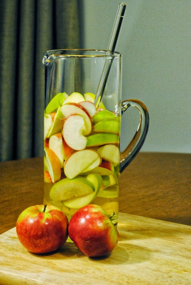 Sparkling Apple Sangria | 21 and Over | Pinterest