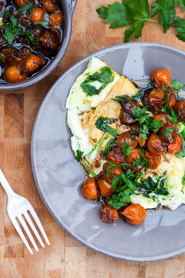 Spinach and Feta Egg White Omelette with Roasted Tomatoes | Recipe