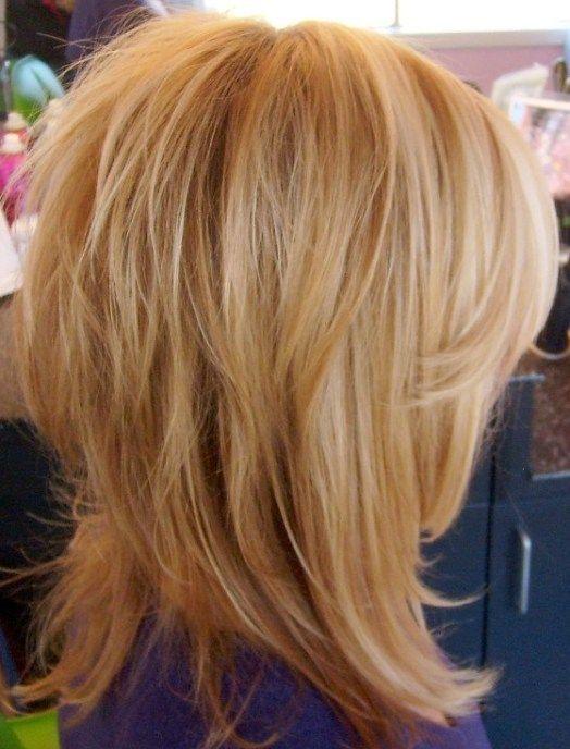Стрижка слоистая на средние волосы