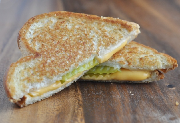 grilled cheese with pickle slices inside... Why havn't I thought of ...