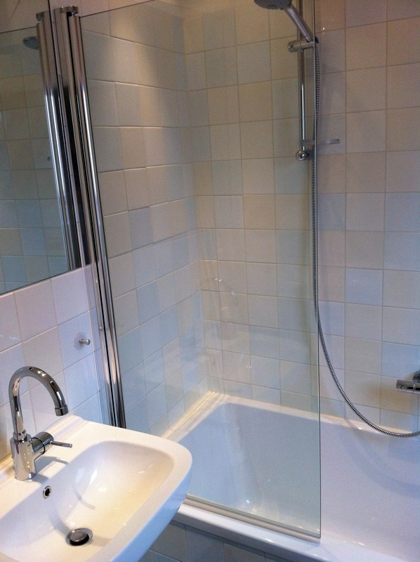 Travertin In De Badkamer ~   by Monique van Waes  Mozaiek Utrecht on badkamer  bathroom  sa