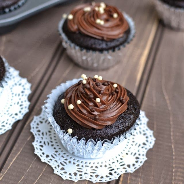 Basic Vegan Chocolate Cupcake by Cook's Hideout