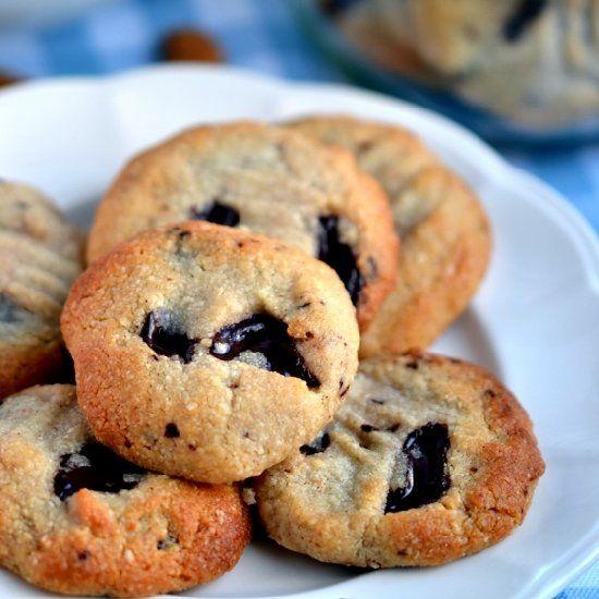 Almond, Cardamom & Chocolate Chunk Cookies. (vegan & grain free)