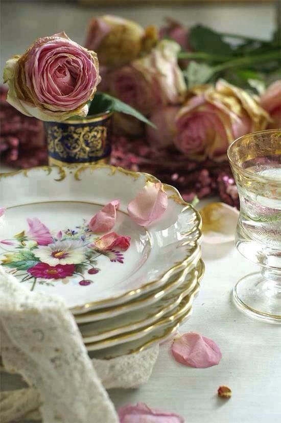 Vintage dishes & roses