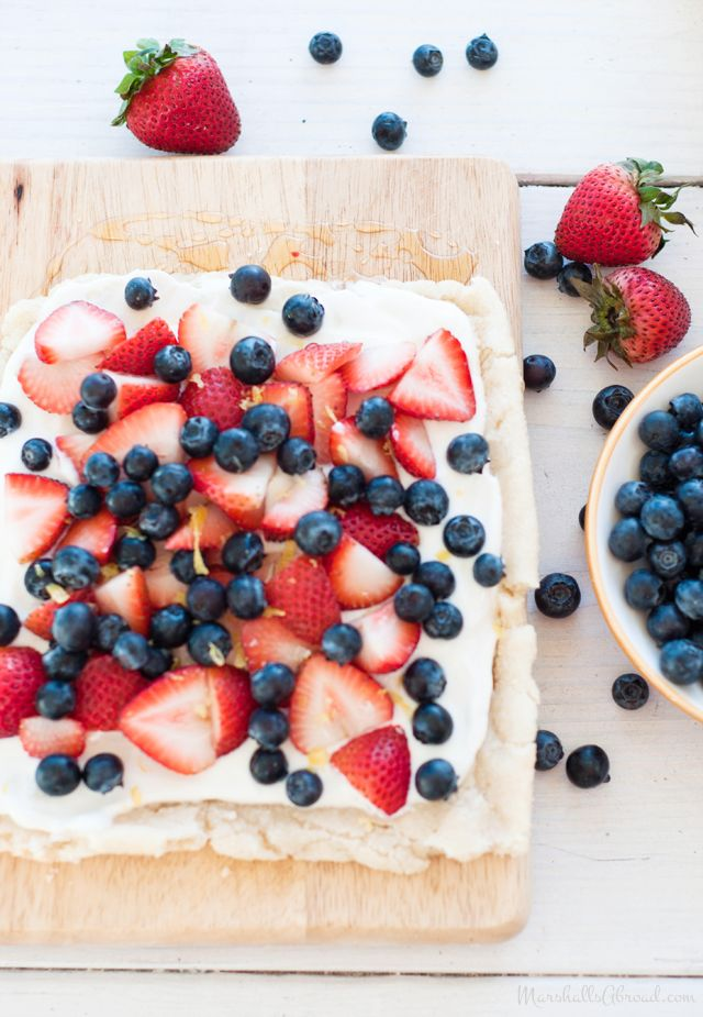 ... : Happy Independence Day! // Summer Berry Tart Drizzled in Warm Honey