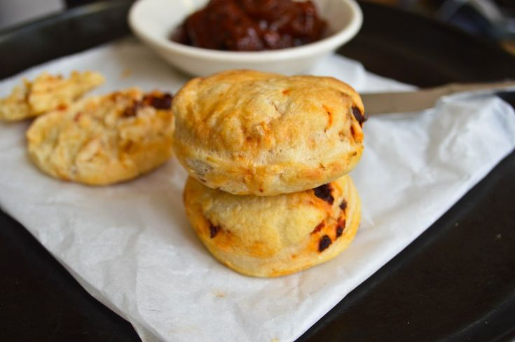 Chipotle Cheddar Biscuits (Chipotle Scones)