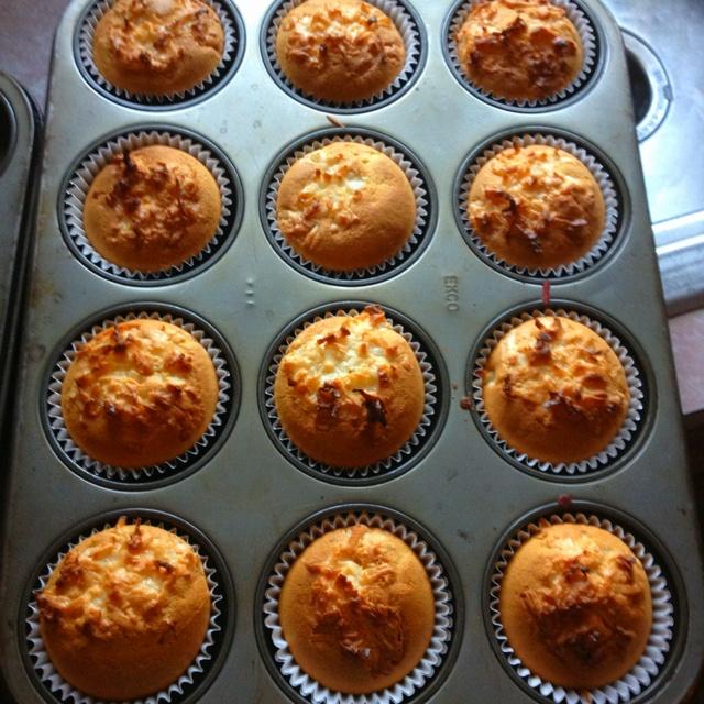 Double Coconut Cupcakes :) | Desserts | Pinterest
