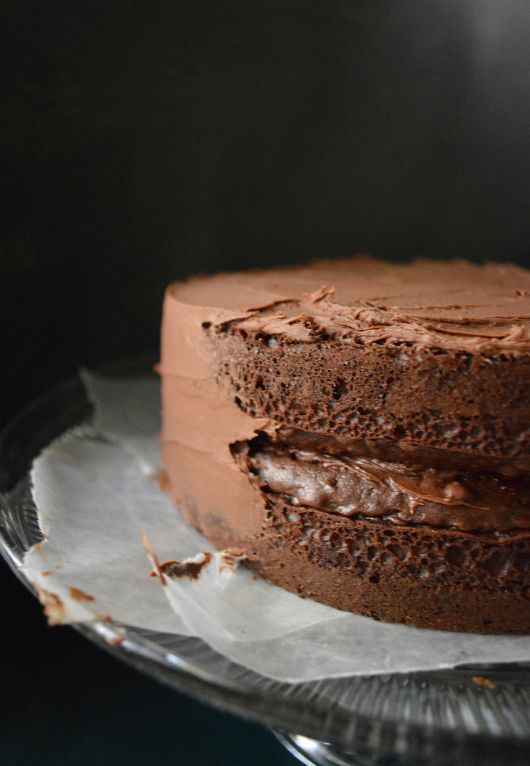 Devils food cake with chocolate ganache icing - chocolate lovers cake
