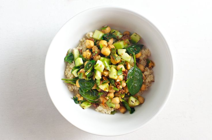 Warm Chickpeas and Spinach with Cumin and Garlic {served over quinoa ...