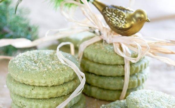 RECIPE: Matcha Green Tea Shortbread Cookies