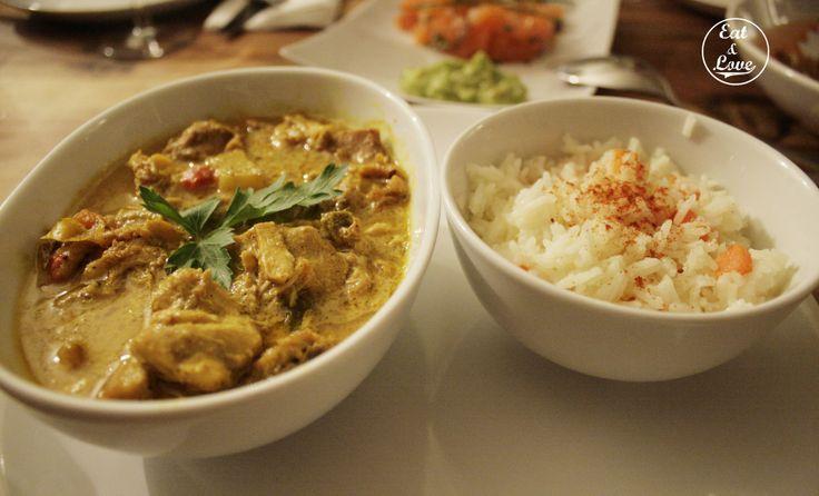 Pollo al curry acompañado de arroz - Blanca 6 Restaurante Madrid