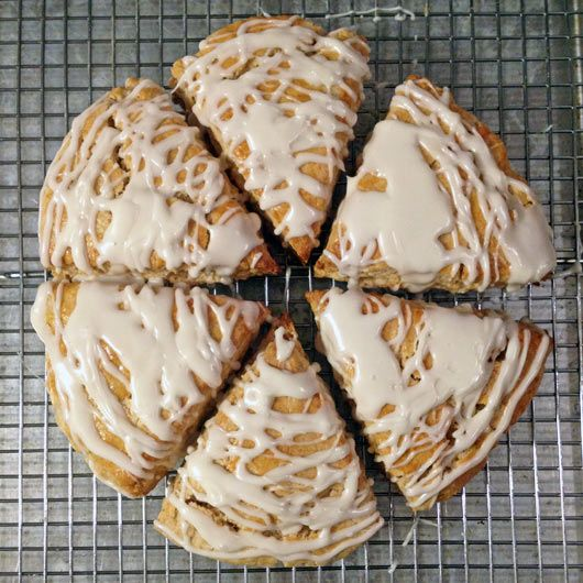 love scones. This one looks delicious.Icing Maple Syrup Scones
