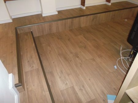 Laminate Stair in Yavne מדרגות פרקט למינציה ביבנה יורם פרקט טל: 050-9911998 אהוד קינמון 29 א.ת. בת-ים http://www.2all.co.il/web/Sites1/yoram-parquet/PAGE1.asp