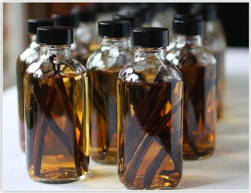 How to make vanilla extract (the store-bought variety is almost always ...