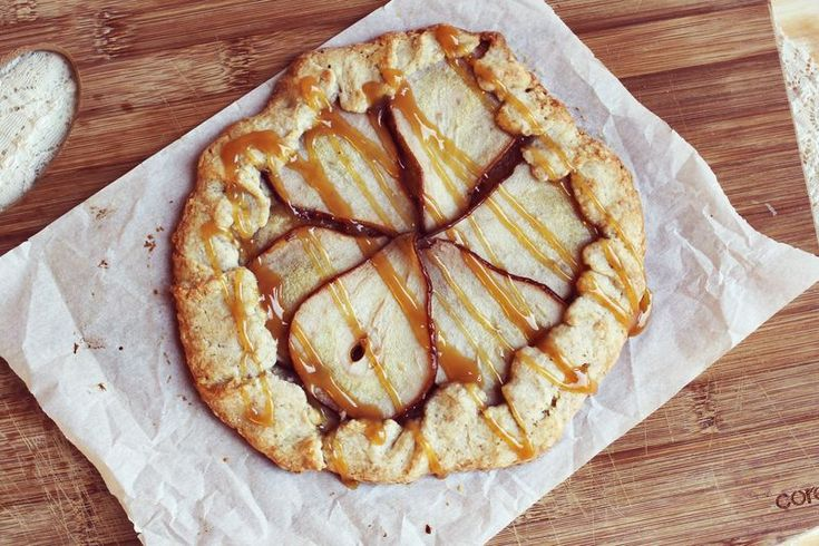 fruit galettes   patisserie   Pinterest