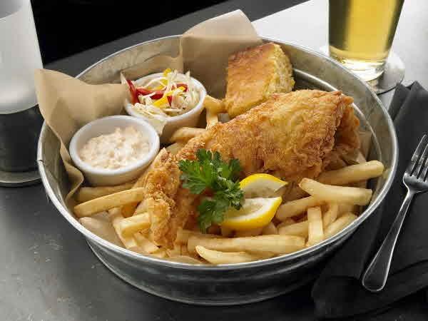 ... tartar sauce fried fish sandwiches with creamy slaw and tartar sauce