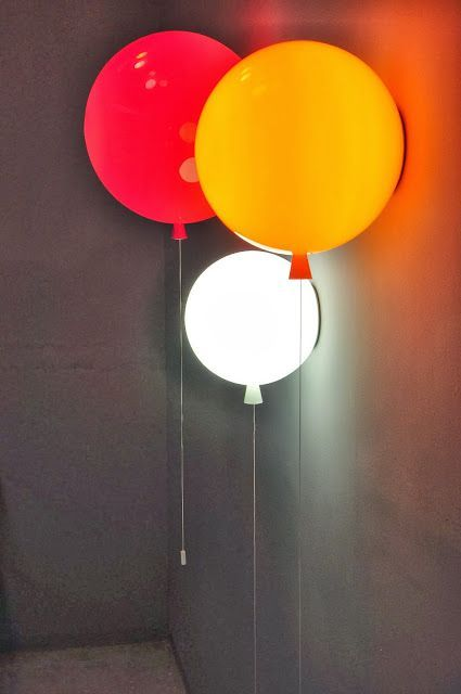 Färgade lampor ger färgat ljus – kan passa i ett barnrum
