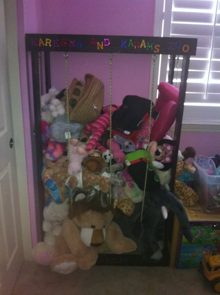 Stuffed animal zoo! So easy to do. Just need wood, nails, hooks and ...