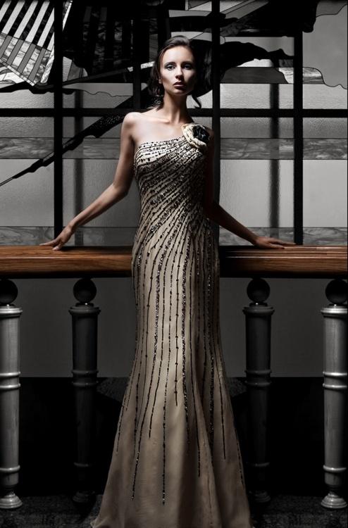 vestido bordado preto branco