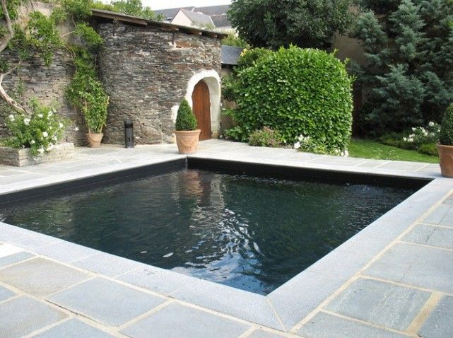 Piscine carree garden design pinterest for Piscine carree design