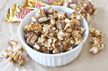Twix Caramel Popcorn Recipes   Popcorn   Pinterest