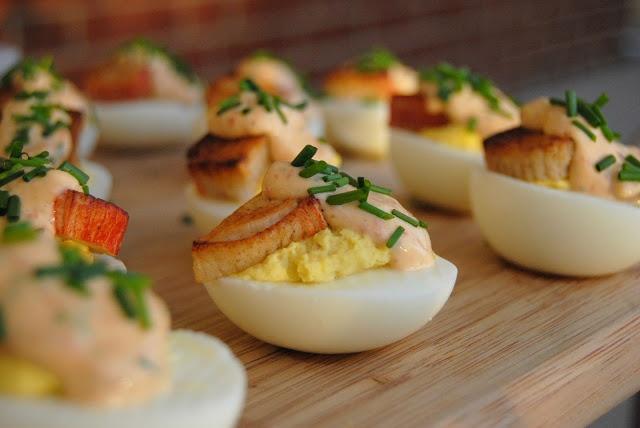 chipotle aioli stuffed eggs | Healthy food | Pinterest
