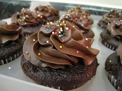 Chocolate Sour Cream Frosting | Cupcakes | Pinterest