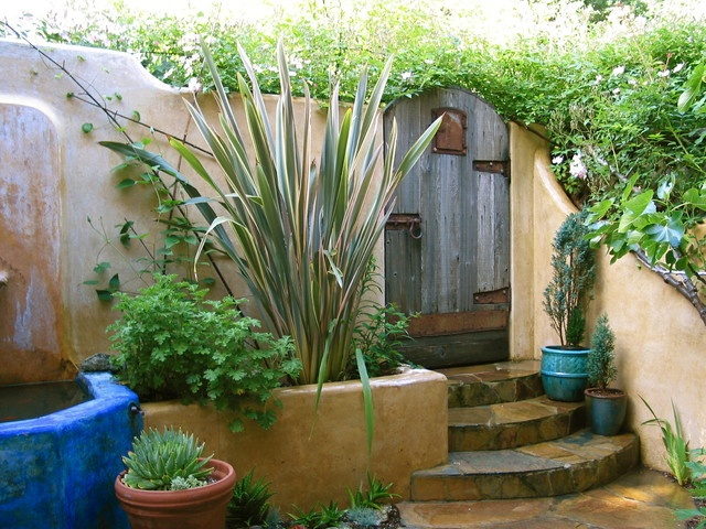 Home garden designs tuscan style backyard landscaping for Home garden landscape designs