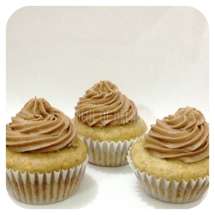 Banana Cupcakes with Nutella Frosting | Desserts | Pinterest