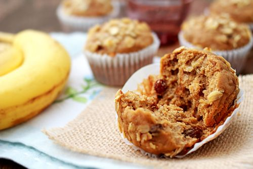 Banana Oatmeal Raisin Muffins: This muffin is rather filling because ...