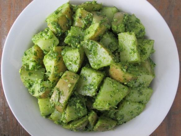 Arugula pesto potato salad | Food | Pinterest