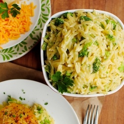 Cheesy Broccoli Orzo is a fast, easy, and super tasty supper side.