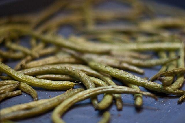 Easy Roasted Balsamic Green Beans   Nom Nom Nom   Pinterest