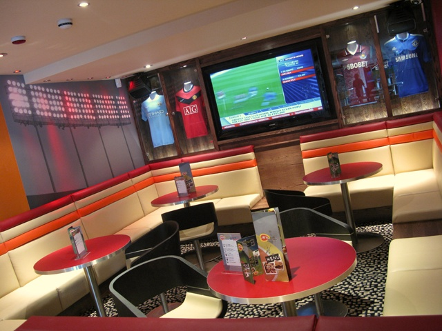 6 Sports Bar Interior Design Sports Lounge FUTURE HOME PLS Pinterest