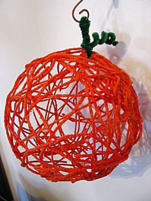 Yarn Pumpkin for Halloween | Naturally Educational #Halloween