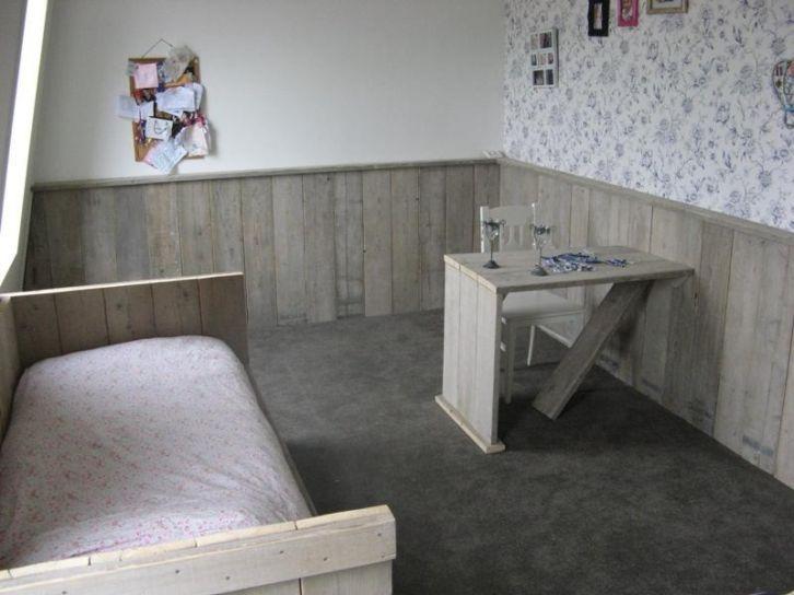 Steigerhout Slaapkamer Ideeen : lambrisering steigerhout Poppenhuis ...