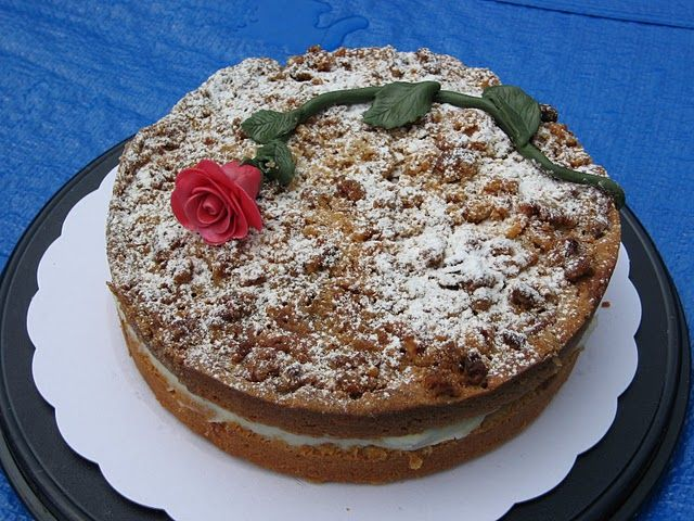 """dl of maple syrup. Geerte made this cake for a """"parents coffee morning ..."""
