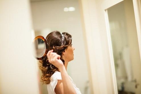 tiara delicada de renda em crochê de fios de cobre com prata dcantidio para noivas