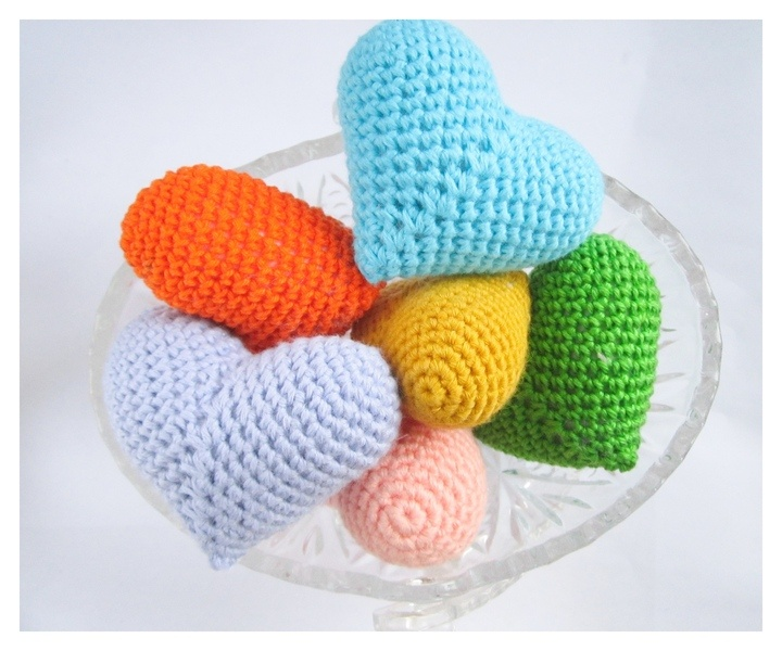 Heart Decoration Knitting Pattern : Knitted 6 hearts for home decoration