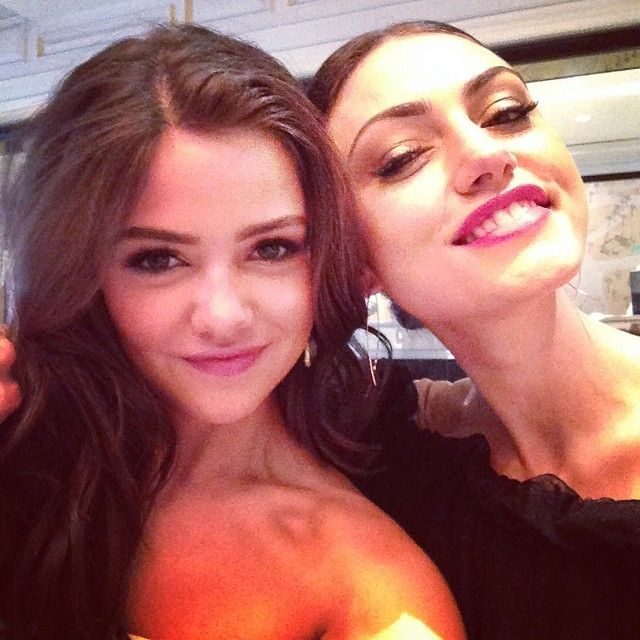 Danielle campbell and phoebe tonkin - photo#2