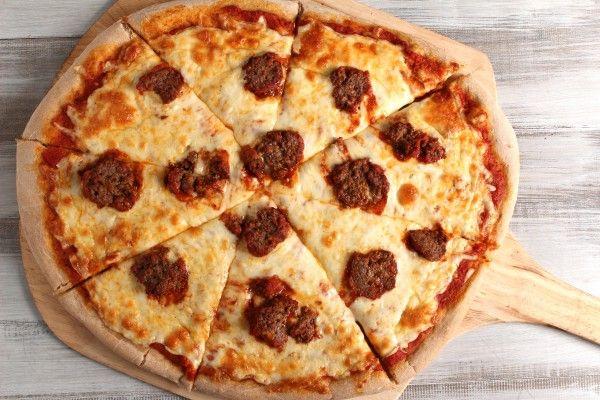 Meatball pizza | Recipes: Main dish | Pinterest
