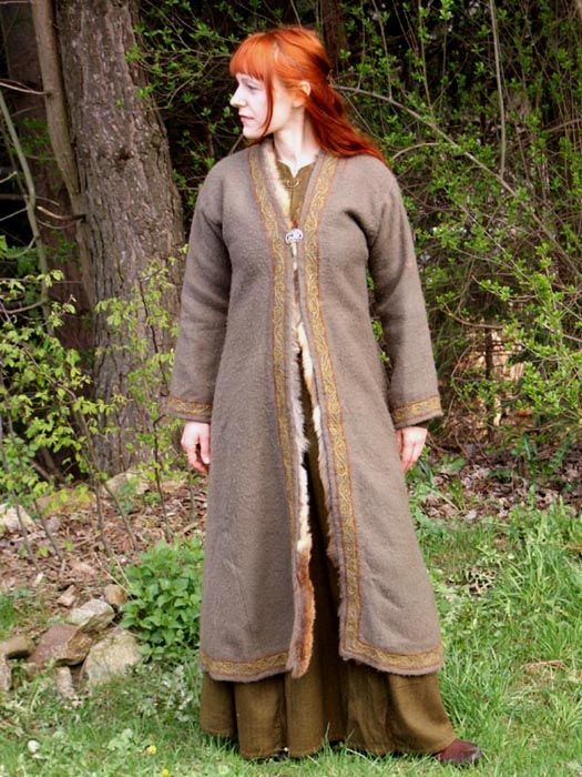 how to make a viking fur cloak