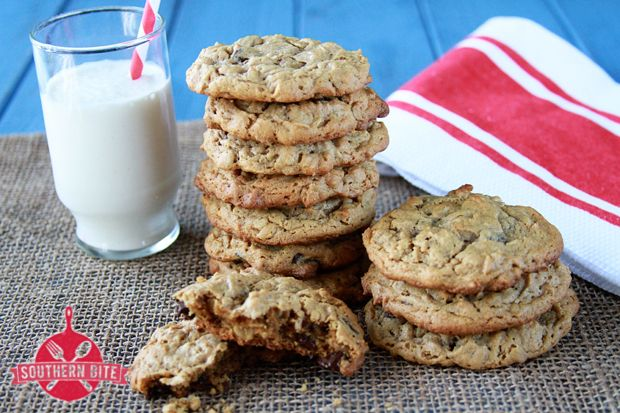 Peanut Butter Chocolate Chip Oatmeal Cookies {Gluten Free} - simply ...