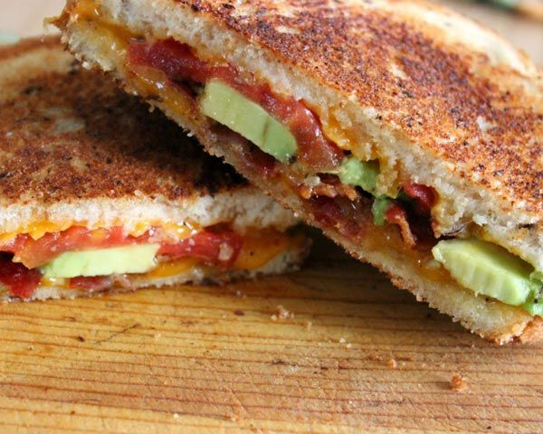 how to make bacon grilled cheese