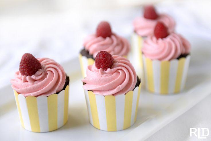 Red wine & chocolate cupcakes w/chambord & raspberry buttercream