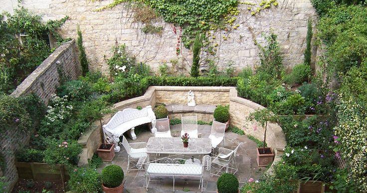 Mediterranean courtyard garden ideas pinterest for Mediterranean courtyard designs