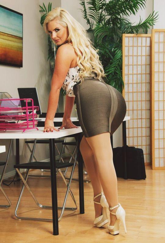 Pornstars Rachel Starr, Phoenix Marie and Lichelle Marie get naked № 883430 загрузить
