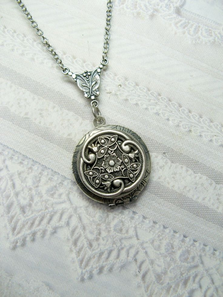 Silver Celtic Knot Locket Necklace - Silver Celtic Garden  - Jewelry by BirdzNbeez