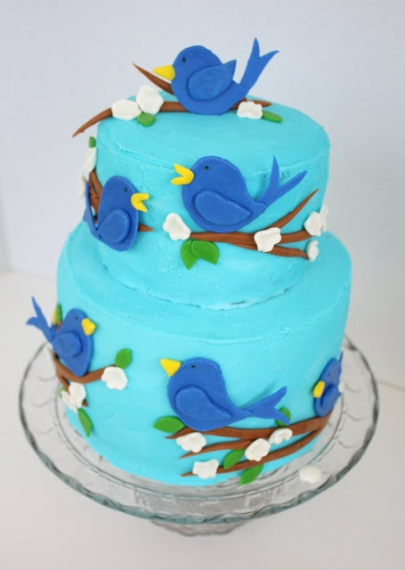 So cute simple blue bird cake amazing artistic cakes for Cute simple cakes