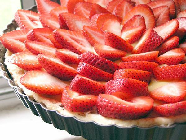 tart with snofrisk cream white balsamic reduction strawberry balsamic ...